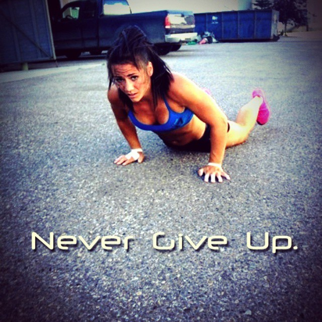 Never ever give up!! #instafit #squats #begreat #fitgirls #tummytuesday #girlswithmuscle #girlswithabs #girlsthattrain #quads #girlsthatsquat #workhard #nevergiveup #work #workyourassoff #motivation #BEMOTIVATED #gymmotivation #rippedphysique #quotes #quote #succeed #success #fitness #bestrong #fitnish
