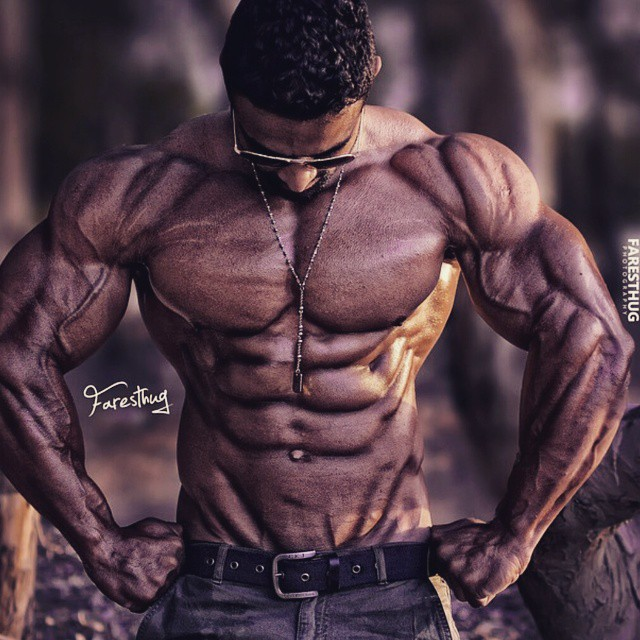 Powerful physique by @ashrafatouh ? #workhard ??? #bodybuilding #goals #compprep #nevergiveup #work #workyourassoff #motivation #BEMOTIVATED #gymmotivation #fitspo #quotes #quote  #success #fitness #bestrong #fitnish #fitguysofig #fitbod #begreat #guyswholift