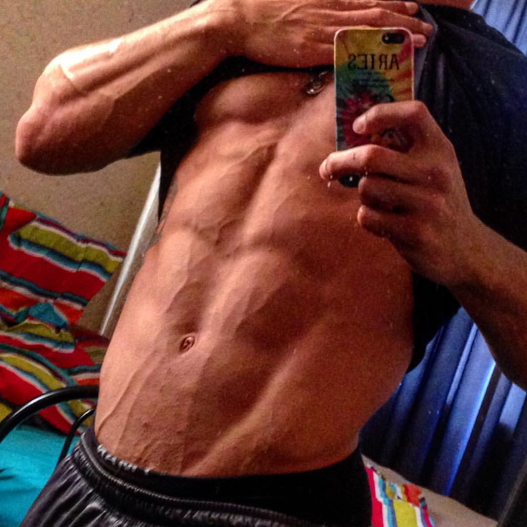 ARMS AND ABS Training With Damian Wade du Plessis