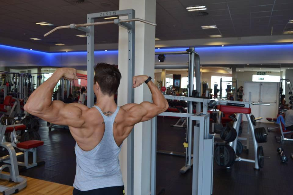 WBFF Pro Jesse Pretorius Shares His Chest And Ab Training Workouts And Secrets!