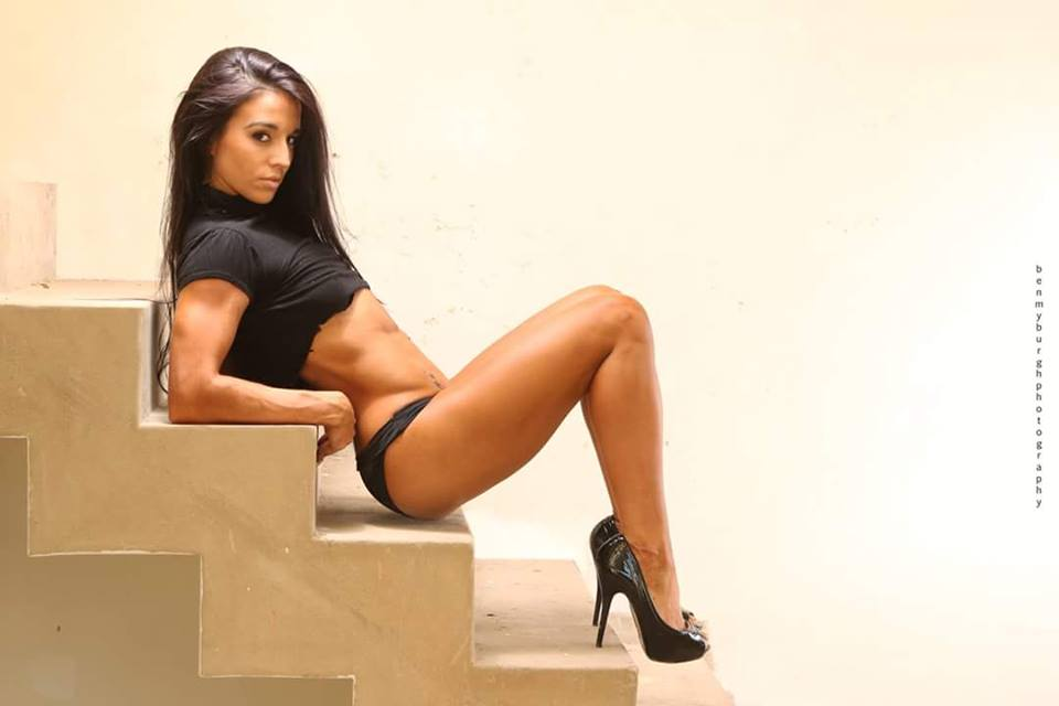 Fitnish.com interview With Fitness Bikini Champ, Roxy Amas