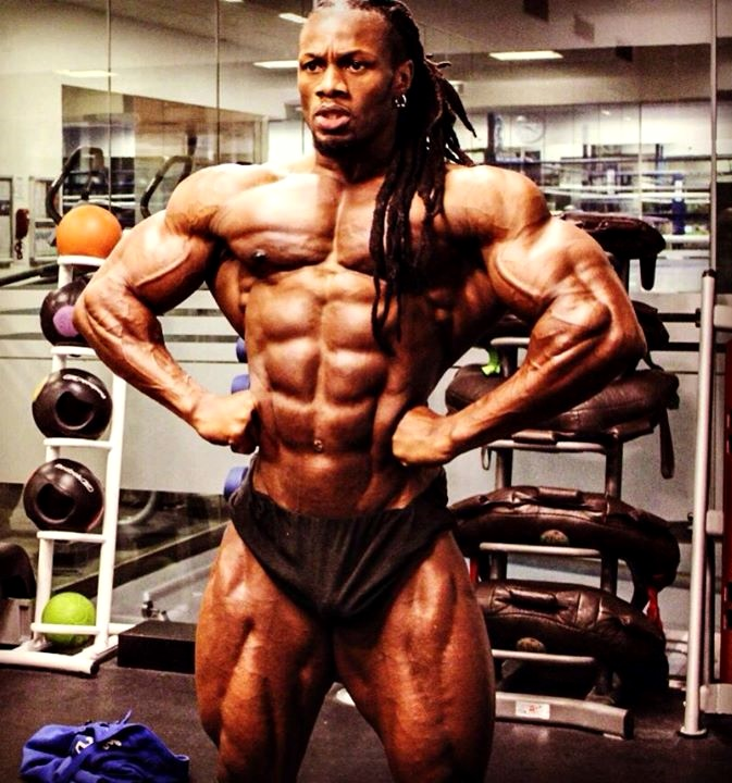 ulisses jr posing | FitNish.com