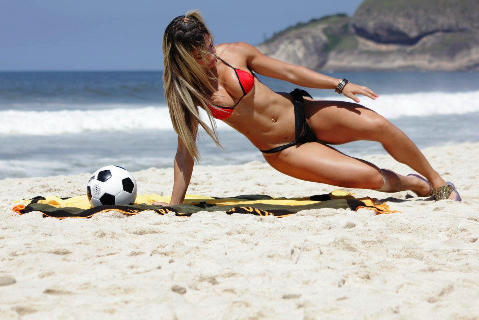 fitnish.com interview With Brazilian Fitness Model, Priscila De Freitas