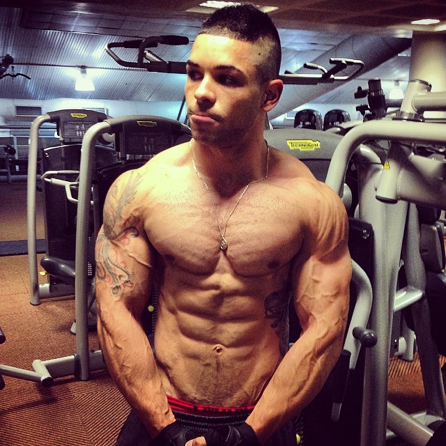 Fitnish.com interview With 2 Time Rossi Classic Male Fitness Champion, Damian Wade du Plessis