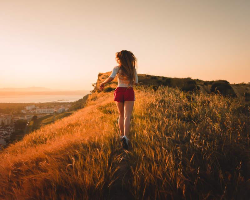 girl run outdoors
