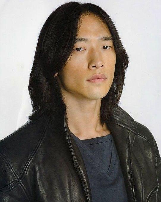 Rain's (aka Jung Ji-hoon) Training For Ninja Assassin